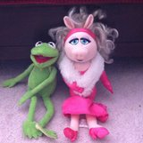 Kermit and Miss Piggy in Fort Campbell, Kentucky