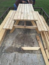 6 foot picnic table in Alexandria, Louisiana