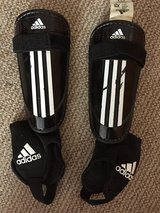 Adidas Youth Shin Guards Size XS in Ramstein, Germany