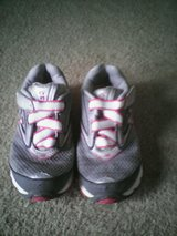 New balance  687  girl tennis shoes size 12 in Quantico, Virginia