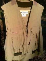 ** Columbia  12ga. Vest ** in Camp Lejeune, North Carolina