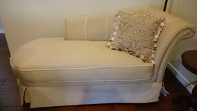 Great Condition, Right-Side Chaise in Fort Lewis, Washington