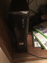 Xbox 360 with kinect in Fort Campbell, Kentucky