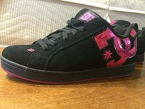 Size 7 DC shoes in Okinawa, Japan