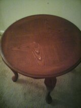 Coffee table  round in Quantico, Virginia