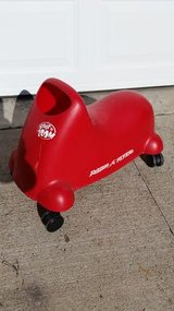 Radio Flyer Ride On Toy in Fort Campbell, Kentucky