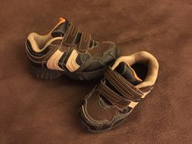Toddler boy shoes 8 in Bolingbrook, Illinois