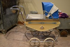 Vintage Baby Carriage in Lockport, Illinois