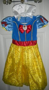Disney Baby Girl 12 Months Snow White Dress Costume in Kingwood, Texas
