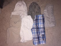Size 6 shorts in St. Charles, Illinois