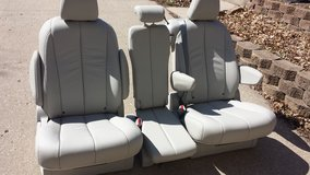 ABSOLUTELY NEW Toyota Sienna 2014 XLE van gray leather bucket bench seats 2nd row in Fort Leavenworth, Kansas