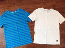 2 Boys Gap Short-Sleeve T-Shirts Size 8-10 in Chicago, Illinois
