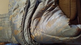 Queen Comforter Set w/Pillows and Curtains (Drapes) in Fort Carson, Colorado
