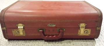 "Vintage ""Everlasting"" Luggage Brown Genuine Deep Buff Cowhide (No key) in Chicago, Illinois"