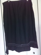 Mid-calf skirt size 18w in St. Charles, Illinois