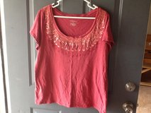 Plus size XXL Merona tee in Fort Campbell, Kentucky