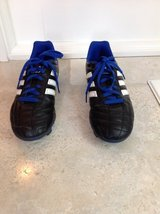 Boys Adidas Outdoor Soccer Shoes / Cleats Size 5.5 (Black & Blue) in Lockport, Illinois