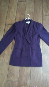 Suit, 2-Piece, Size 6, Lined in Kingwood, Texas