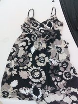 Cute summer dress size S in Naperville, Illinois