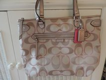 New w/tags Coach purse in Fort Belvoir, Virginia