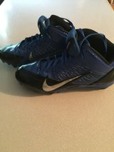 nike football cleats sz. 8.5 in Pleasant View, Tennessee