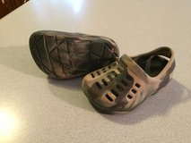 boys rugged outback crocs sz.4.5-5 in Fort Campbell, Kentucky