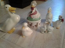 5 piece set of ceramic geese/ducks-Dollar Days in Joliet, Illinois