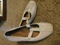 Women's casual shoes in Fort Campbell, Kentucky
