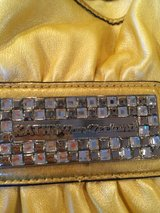 Authentic Kathy Van Zeeland Purse- Yellow. in Naperville, Illinois