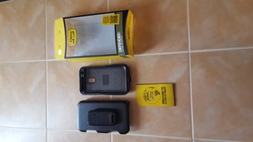 Otter Box- Defender Series in Yucca Valley, California