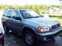 2000 Nissan Pathfinder SE in Camp Lejeune, North Carolina