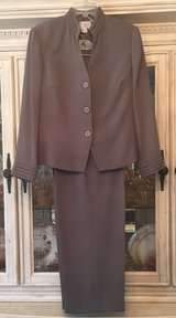 Adrianna Papell Grey Business Suit in Kingwood, Texas