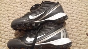Nike Cleats Youth Size 3 in Houston, Texas