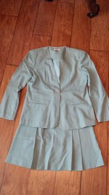 Suit, Size 8, Green - Byn-Mar in Kingwood, Texas