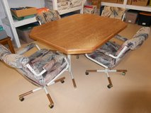 Just Reduced - Dining Room Table & Chairs in Joliet, Illinois