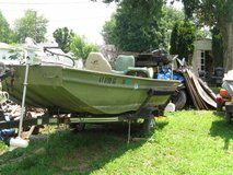 15.5 FLAT BOTTOM FISHING BOAT (ALUMINUM) by; POLAR KRAFT in Fort Campbell, Kentucky