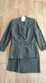 Valerie Stevens Double-Breasted Suit, Size 4 in Kingwood, Texas