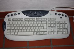 KEYBOARD LOGITECH GERMAN in Ramstein, Germany