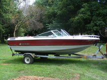1985 17 Foot Rinker in Naperville, Illinois