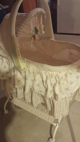 Baby Bassinet (baby bed) neutral color in Bartlett, Illinois