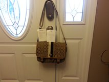 New Authentic Coach Messenger Bag w/tags in Fort Campbell, Kentucky