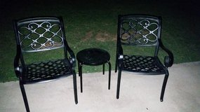 Lattice / 3 Piece Iron Patio Set in Fort Campbell, Kentucky