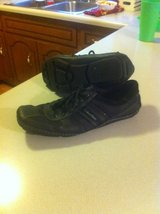 mens casual shoes sz.11 in Pleasant View, Tennessee