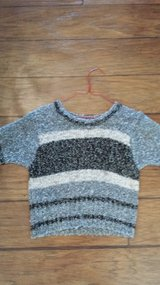 Sweater, Size Medium in Kingwood, Texas
