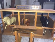 Stable and 3 horses (for display only) in Fort Knox, Kentucky