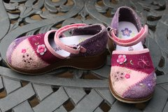 Gymboree Girls Size 8 Shoes in Naperville, Illinois