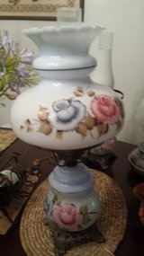 Vtg Gone with the Wind Handpainted lamp in Vacaville, California