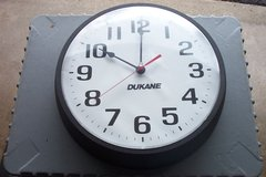 12 INCH BATTERY CLOCK in Naperville, Illinois