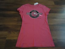 Ladies Duck dynasty shirt-new with tags in Kingwood, Texas