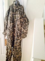 Coveralls size small in Fort Benning, Georgia